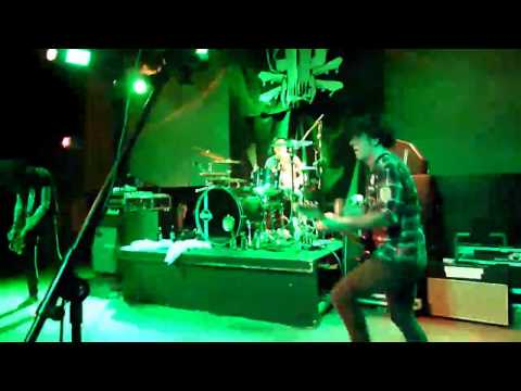 LA GUNS RIP AND TEAR HD HIGH QUALITY IN TRACII GUNS FACE LA GUNS 2010 NashVegas JAXX 2010