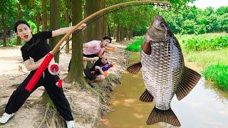 Beautiful Girl Go Fishing Nerf Guns Fight Crime Robbery at Lake | Moon Nerf War