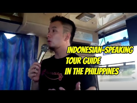 Your Manila tour guide in action
