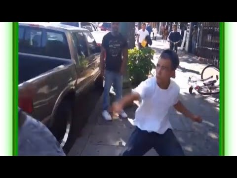 KNIFE FIGHT IN EAST OAKLAND UFC FIGHT ON THE STREET! MMA GOES OUT THE WINDOW. Street fight turns bad