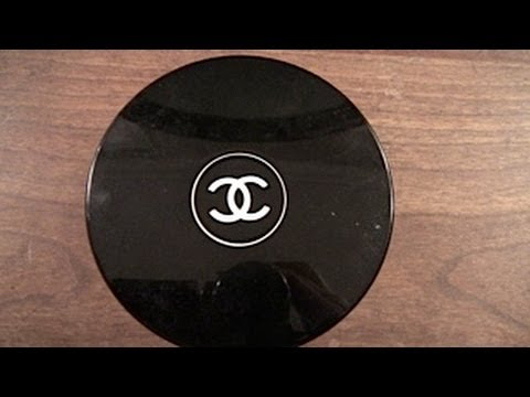 Poudre Universelle Libre Natural Finish Loose Powder by Chanel #22