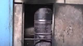 как восстанавливают бу стальные бочки(Грайф - лидирующая компания международного уровня по производству стальных бочек. В России производства..., 2013-01-15T06:22:39.000Z)
