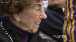 99-year-old Vikings fan goes to the playoffs