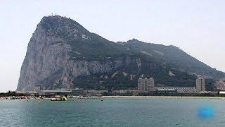 احتدام العلاقات بين اسبانيا و بريطانيا بسبب اقليم جبل طارق