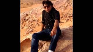 Her Kisi Ko Nahi Milta Yahan Pyar Zindagi Main.......Singer Collin