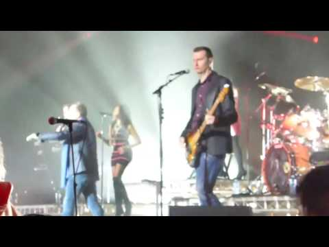 Simple Minds  - Lovesong - Sydney 09-02-2017 live