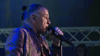 Gambar cover Parni Valjak - Moja je pjesma lagana (Live in Pula)