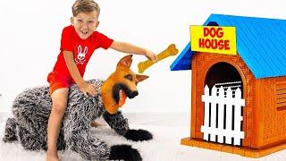 سينيا وأمي نتظاهر باللعب مع كلب صغير