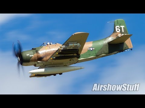 Douglas A-1 Skyraider Flybys - Northern Illinois Airshow 2017