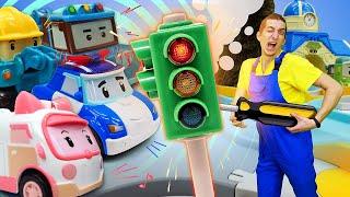 Машинки робокары и Робокар Поли хотят починить компьютер! Видео про игрушки. Время быть героем!