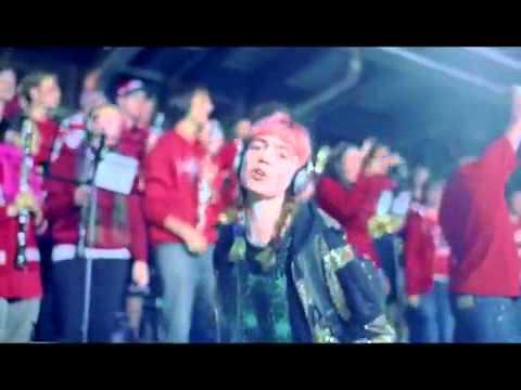 Grimes - Oblivion - YouTube.flv