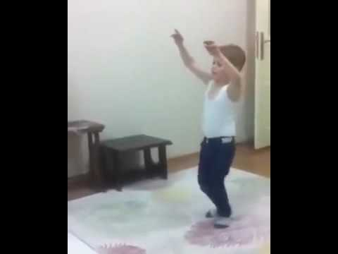 طفل جزائري يرقص حيّر المشاهدين !!! thumbnail