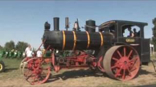 102 year old Steam Tractor Runs a Lap