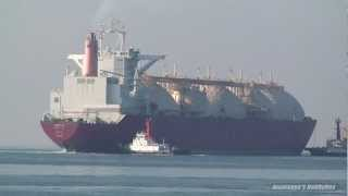 BROOG LNG TANKER SHIP LNGタンカー