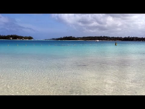 Crystal Clear Water - Blue Bay Beach - Mauritius HD