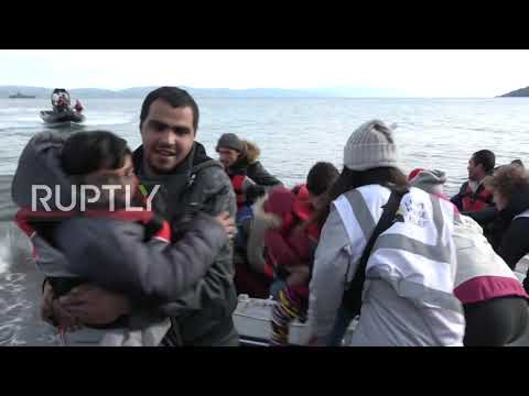 Greece: Refugees arrive on Lesbos amid reports Turkey is allowing departures
