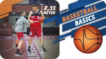 Im Low Post gegen 127 Kilo-Center John Bryant feat. C-BAS | Basketball Basics
