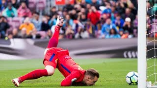 Unforgettable 20 Goalkeeper Mistakes In Football History ● Impossible To Forget - Part 1