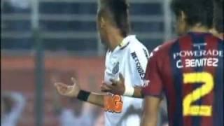 Neymar dando show contra o Cerro Portenho na Libertadores 2011