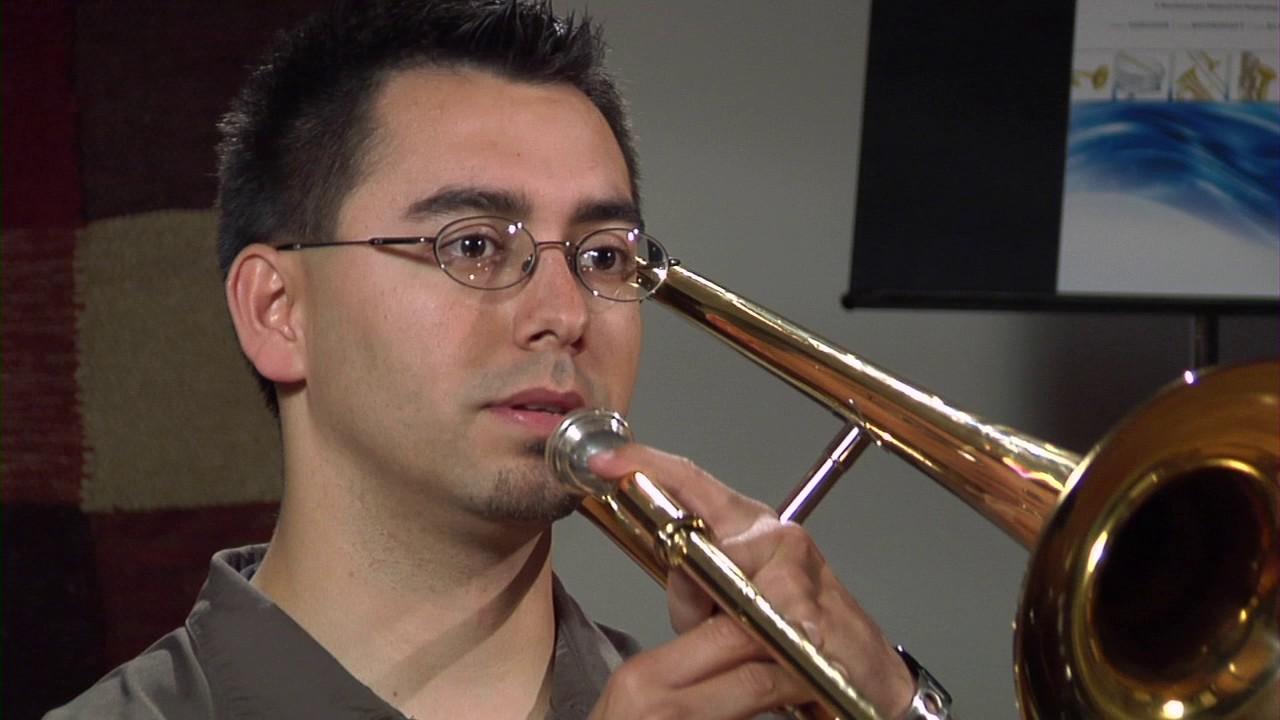 Trompet Çalma Challenge - Hiç Bilmeden Trompet Çalmayı Denedik!