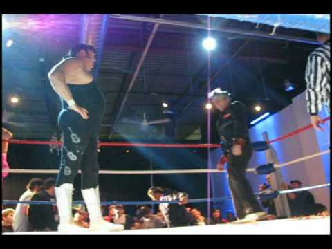 Wrestling superstar HONKEY TONK MAN at Toronto's 2010 Rethink Rumble