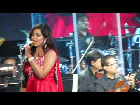 Radha Shreya Ghoshal Live (Student of the Year)