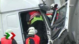 Lkw-Unfälle auf der A2 bei Kamen und Henrichenburg
