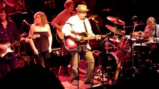Levon Helm ~ The Weight ~ Music in the Mn Zoo ~ 7-6-10