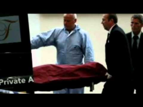 Amy Winehouse Body Being Removed From Her Flat 1983-2011 RIP So Sad!!