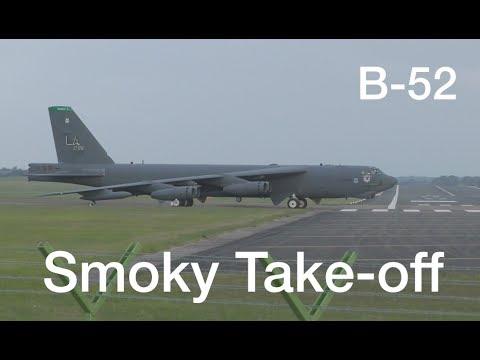 Very smokey departure ! B-52 Stratofortress impressive take-off