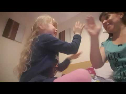 Summer and mummy clapping game