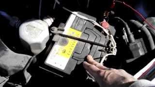 Как правильно зарядить автомобильный аккумулятор. Особенности зарядки.(Чтобы не допустить преждевременный выход из строя аккумулятора, его требуется своевременно и правильно..., 2015-04-14T05:51:37.000Z)