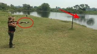Wanita Ini Meniup Terompet Dari Tanduk, Lihat Apa Yang Keluar Dari Dasar Danau Setelahnya!!! 😯