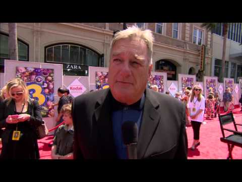 "Toy Story 3: Blake Clark ""Slinky Dog"" Red Carpet Premiere Interview"