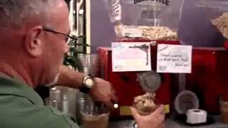 Healthy Home Market Peanuts Grinding Demo.avi