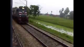 Maurya Express (15028) Passing Chaap Dhala (Siwan)