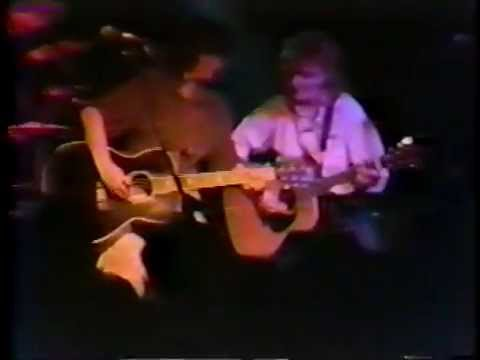 indigo girls: 1989-01-26 the uptown lounge - athens, georgia