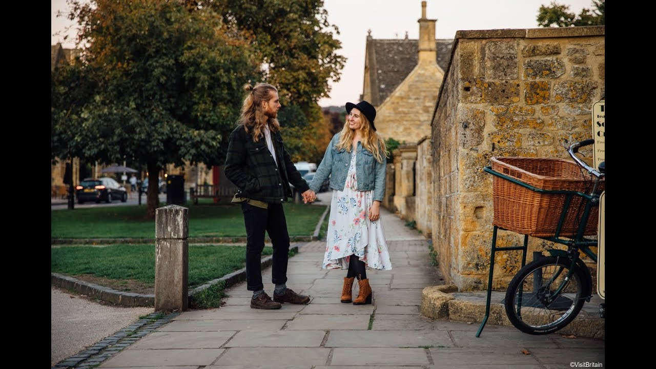 I Travel For Romance – with The Two Bohemians | VisitBritain