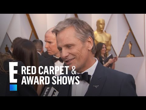 Viggo Mortensen Surprised Kids With Orlando Bloom  E! Live from the Red Carpet