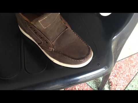 Запах пота в обуви можно устранить простыми подручными