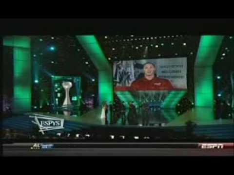 Jeff Gordon Presents Award at 2009 ESPY Awards