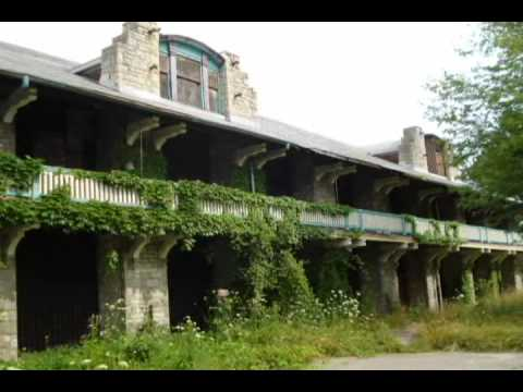 Boblo Island: a family trip to an abandoned amusement park