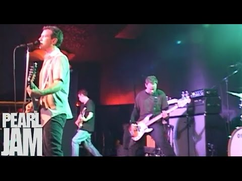 rearviewmirror live at the showbox pearl jam youtube. Black Bedroom Furniture Sets. Home Design Ideas