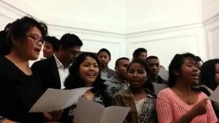 �������� ���� Мадагаскарская песня на богослужении в Сочельник (франкоговорящая община Москвы) ������