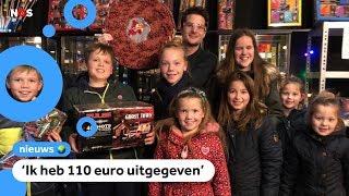 Kinderen kopen vuurwerk voor Oud en Nieuw 🧨✨