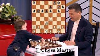 Шахматный вундеркинд Миша Осипов - Кирсан Илюмжинов.