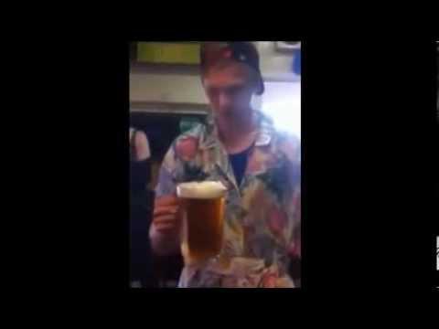 Aussie Bloke Quaffs a Jug of Beer in 3 Seconds