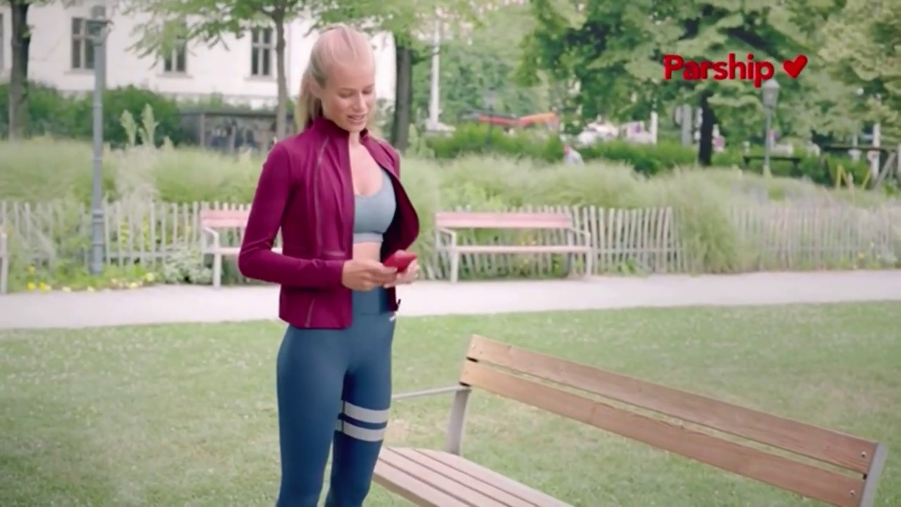 Blond parship model 2018 Melanoma