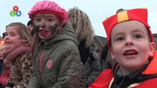 Sinterklaas zet met zijn Pieten voet aan wal in Langedijk