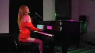 "Tori Amos, ""Pink and Glitter"""